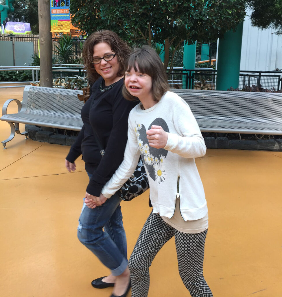 Photo Sabrina and Paige at Nickelodeon Universe